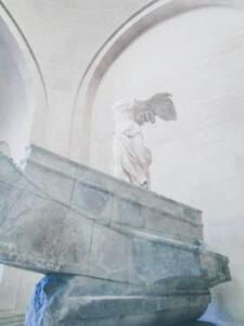 Victoria lui Samothrace louvre